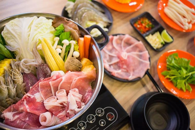 How To Have Healthier Steamboat When You're On A Diet